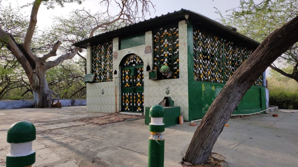 Dargah where possed people are treated by moulana